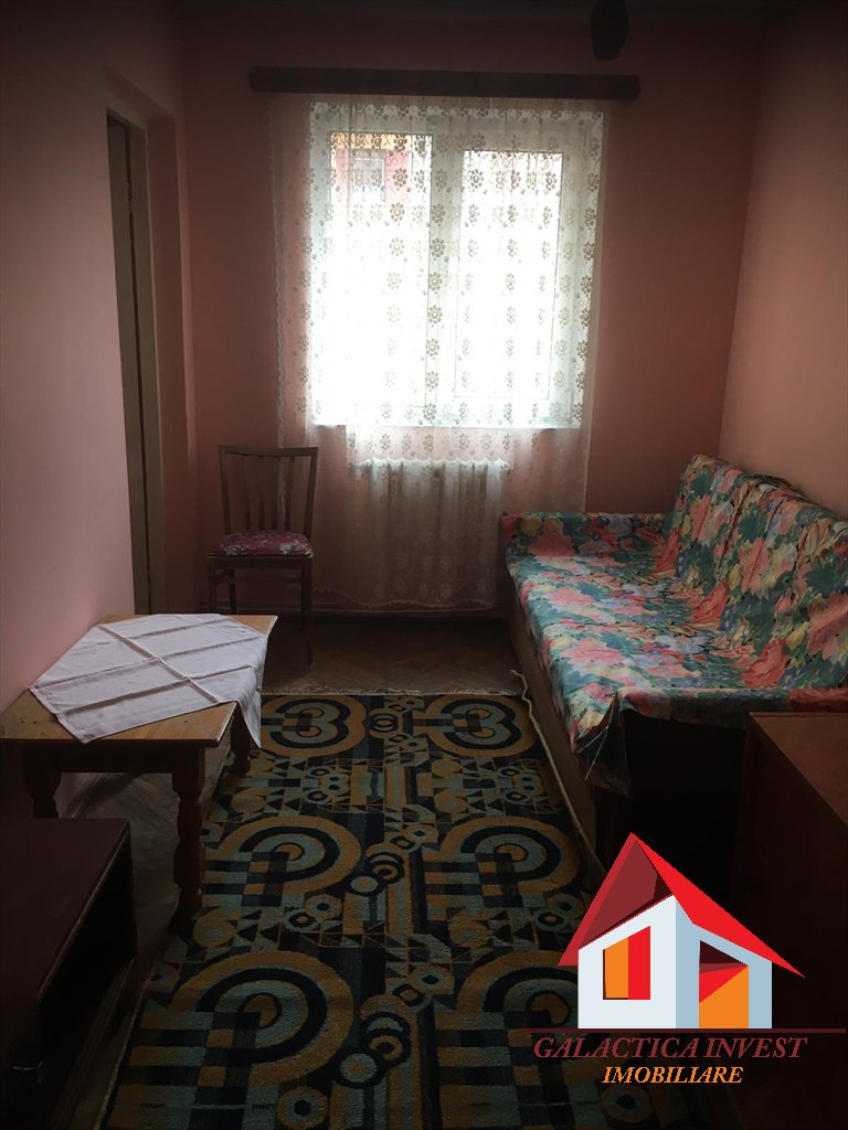 Apartament 3 camere Cetate – ultracentral, etaj intermediar