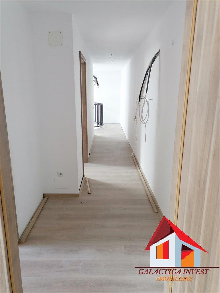 Apartament 3 camere bloc nou – cu garaj